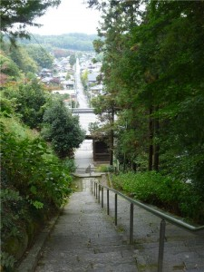 正法寺 山門と参道