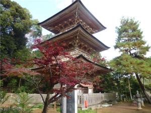 安楽寺の三重塔