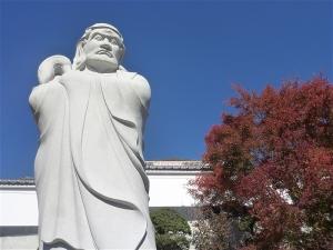 達磨大師石像